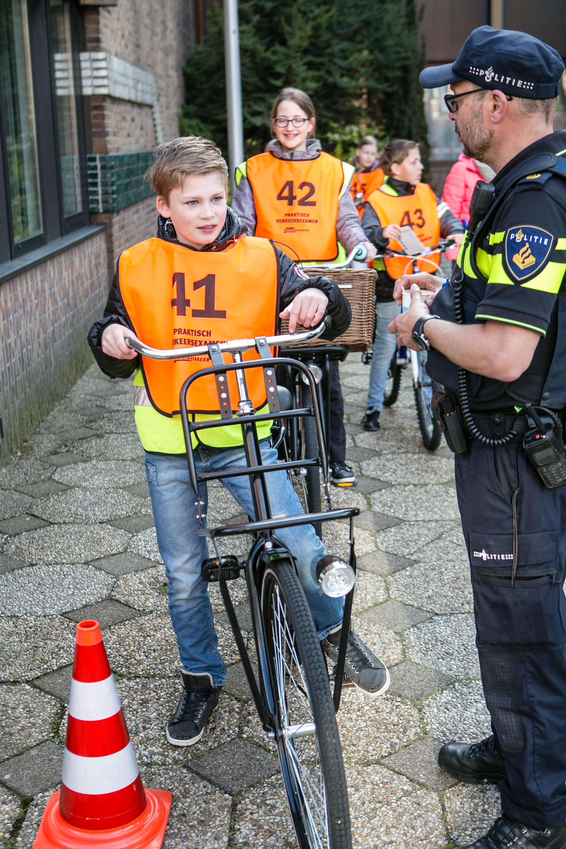 verkeersexamen foto eric van nieuwland 080527