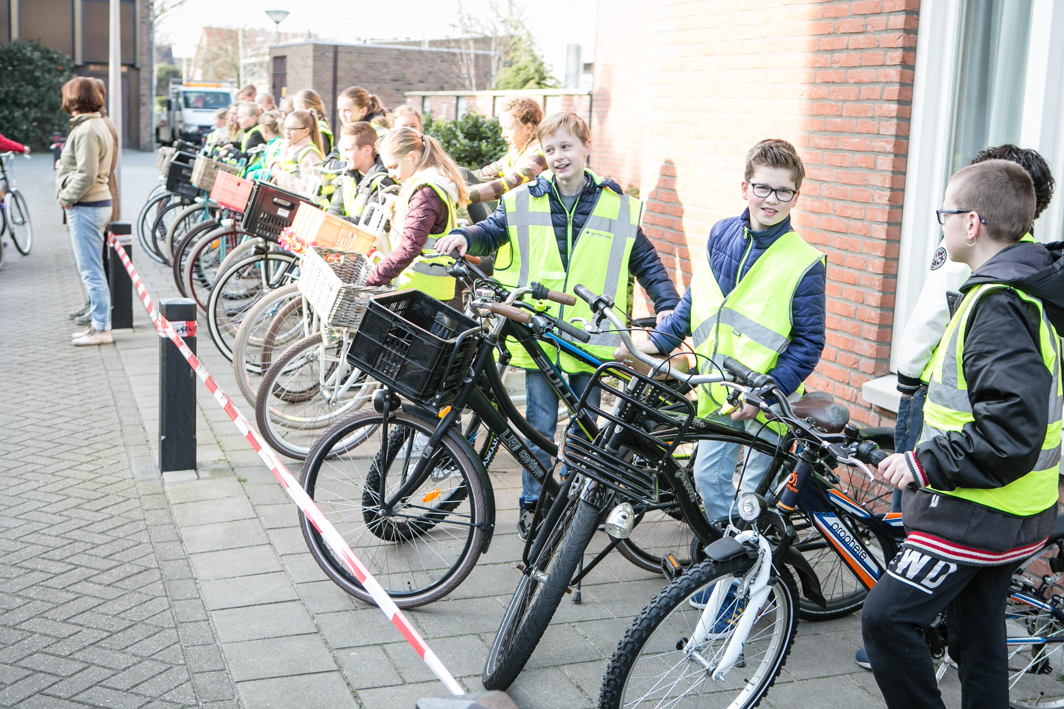 verkeersexamen foto eric van nieuwland 081100